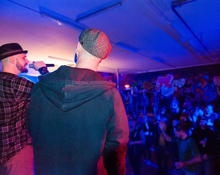 HNOS. Company Slow live im Cafe Q. Indoor Skateramp. Cafe Q. Live Rap Coburg.