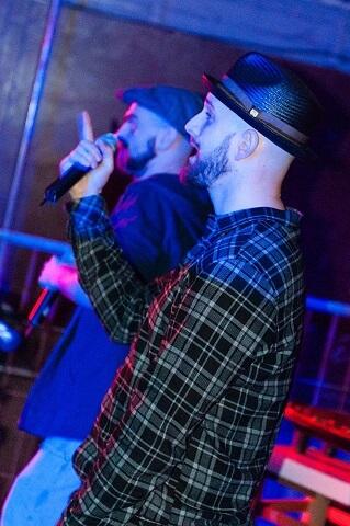 Cane am Mic. Company Slow live im Cafe Q. Indoor Skateramp. Cafe Q. Live Rap Coburg.