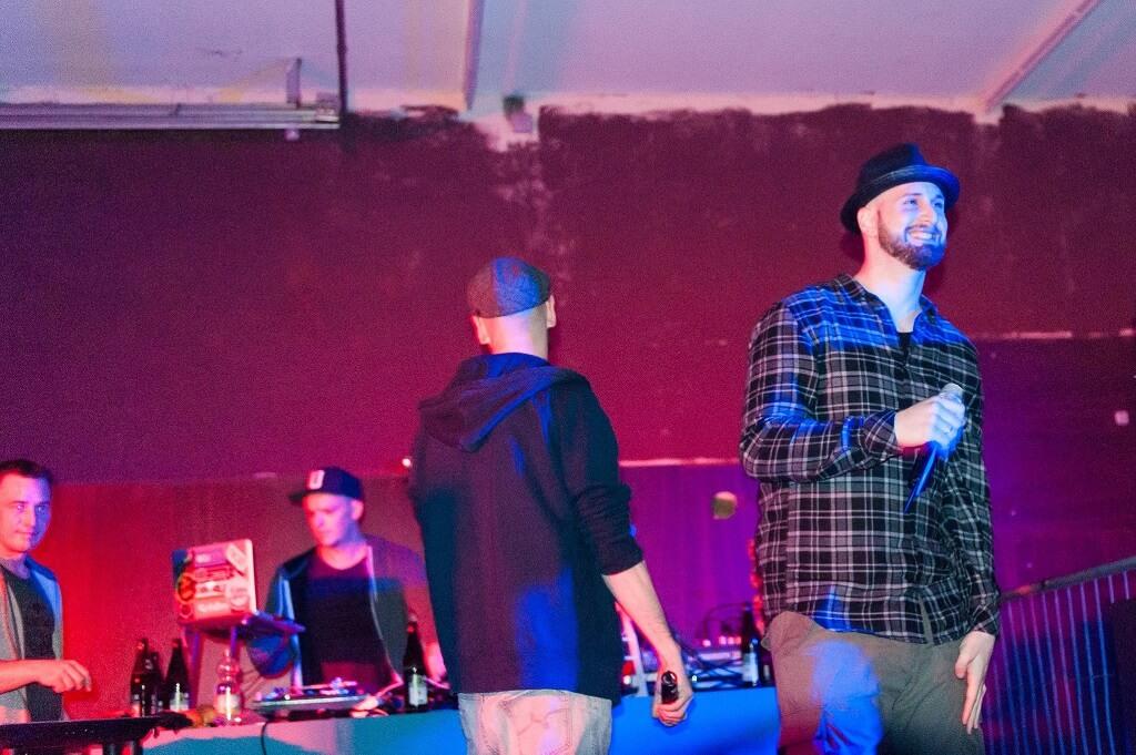 Crew. Company Slow live im Cafe Q. Indoor Skateramp. Cafe Q. Live Rap Coburg.