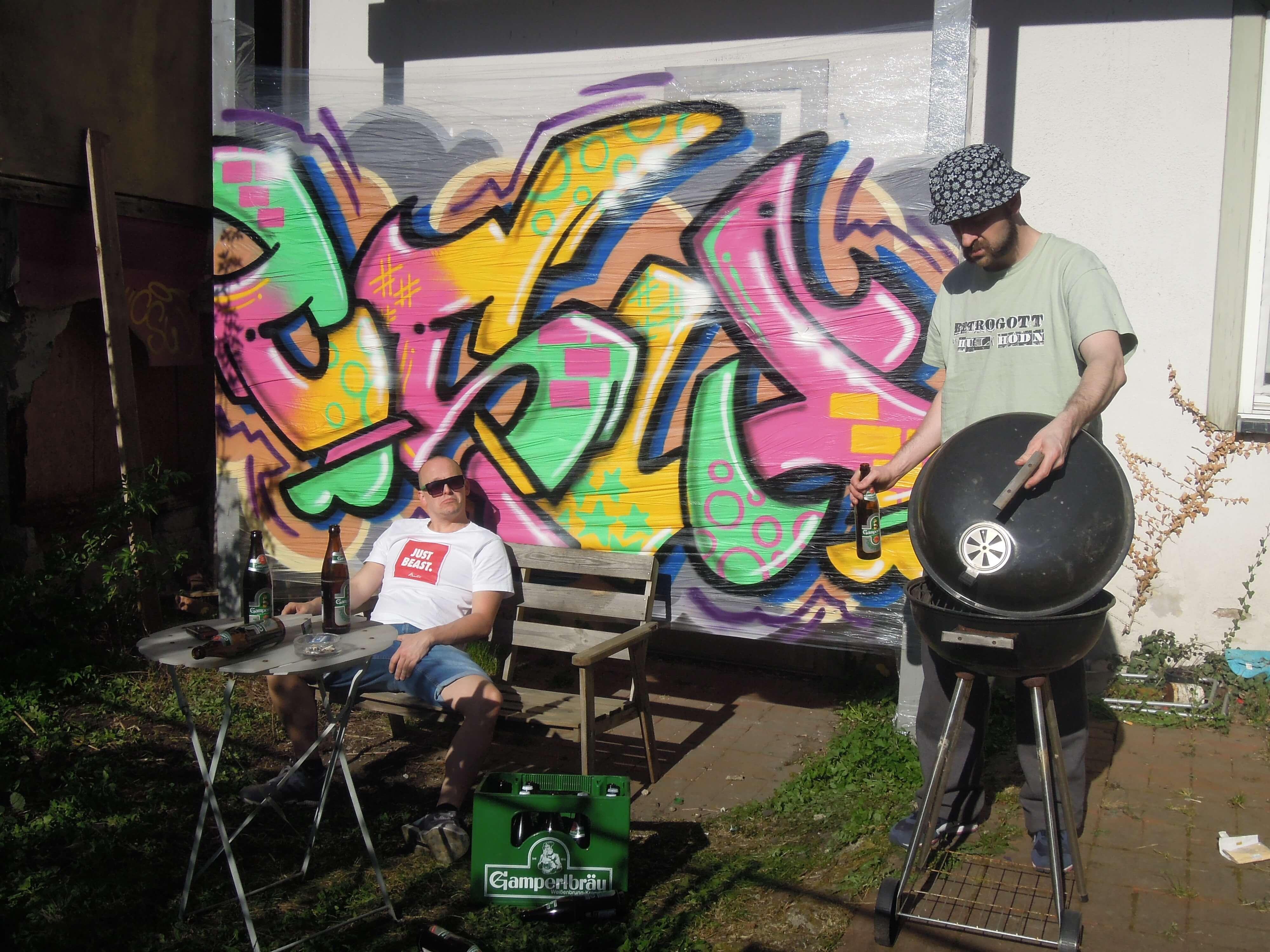 rezepte Covber shooting. Kunst und so - Grüß dich mei Guder. Street Art. Graffiti Coburg. JDE TDN CSW GDMG!