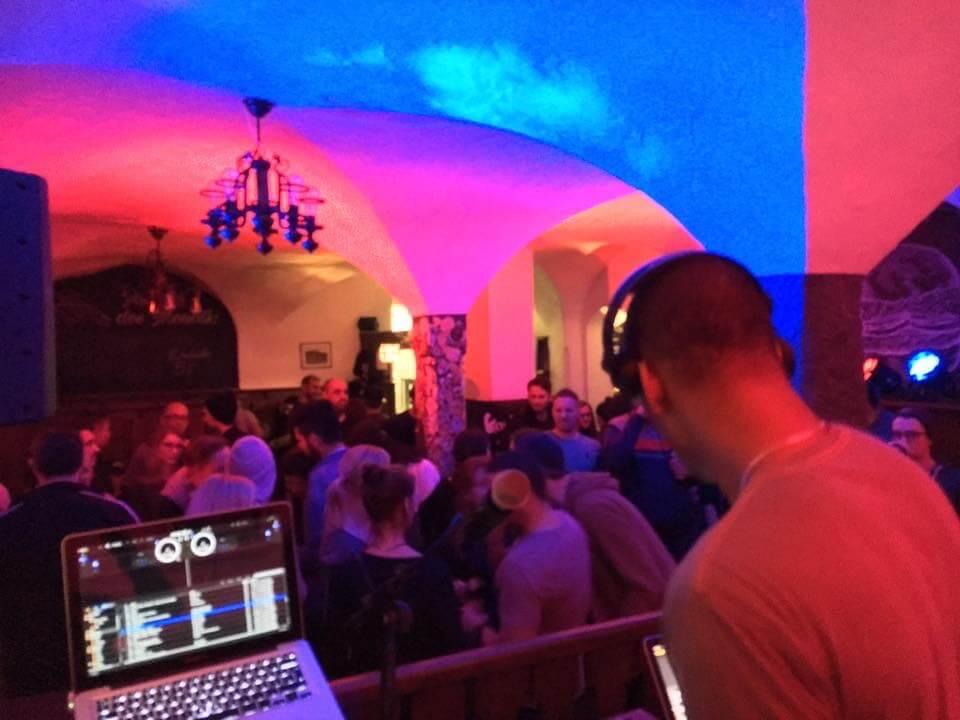 Crowd 1. Company Slow. Frankenburger. Live Hip Hop. Bratwurst Rap. Coburg.