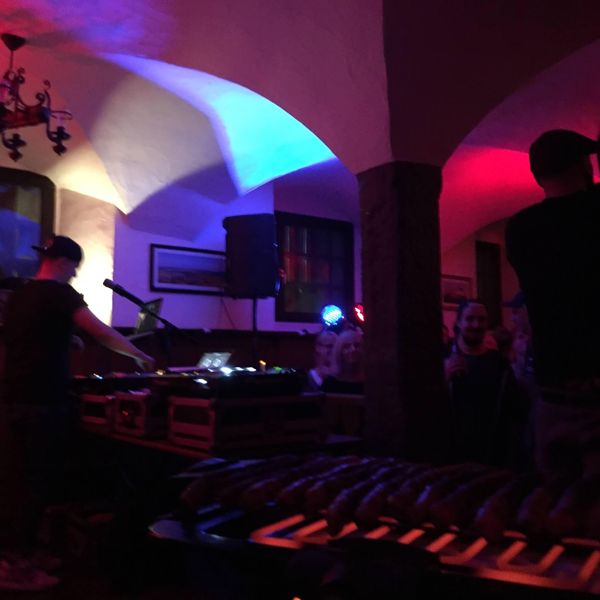 Rofl Royce und Heinz Null. Company Slow. Frankenburger. Live Hip Hop. Bratwurst Rap. Coburg.