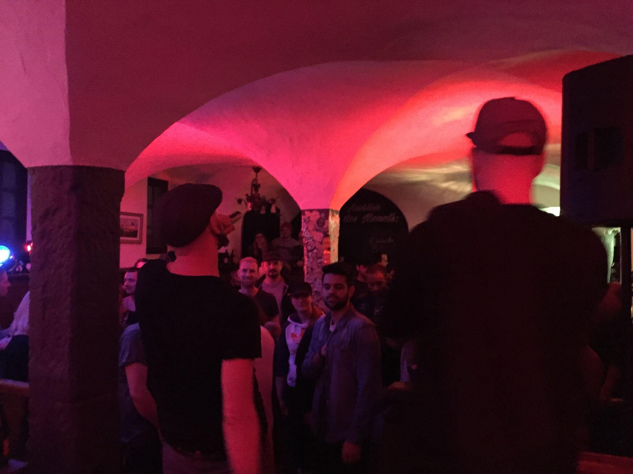 Heinz und Crowd. Company Slow. Frankenburger. Live Hip Hop. Bratwurst Rap. Coburg.